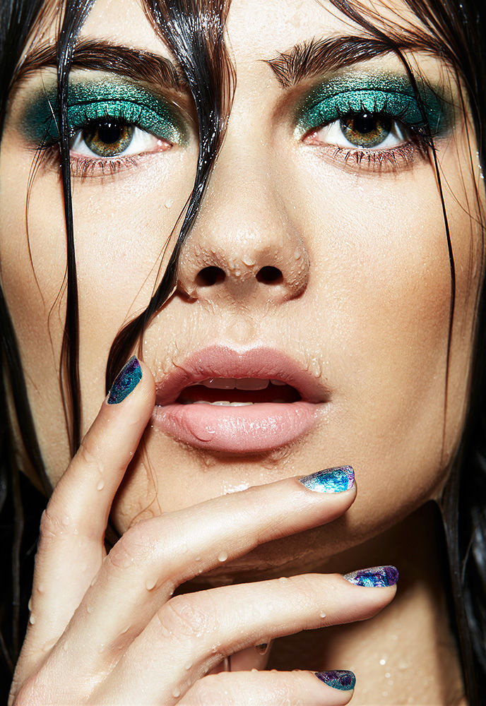 L'OFFICIEL -BLACK WATER BEAUTY