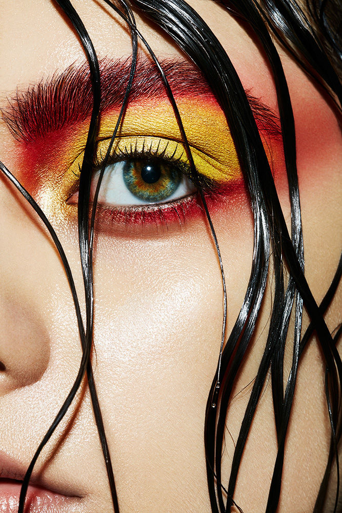 L'OFFICIEL BEAUTY LAYOUT - BLACK WATER